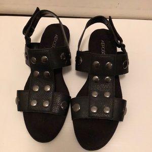 AEROSOLES flat sandal  size 6.5